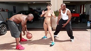 BANGBROS - Interracial Love and Basketball With Big Tits MILF Lisa Ann